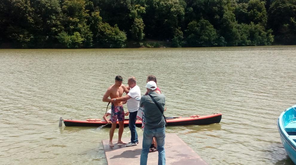 Русенец преплува 10 км с една ръка благотворително