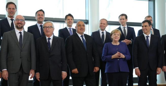 Председателят на Европейската комисия Жан-Клод Юнкер свика в Брюксел правителствени