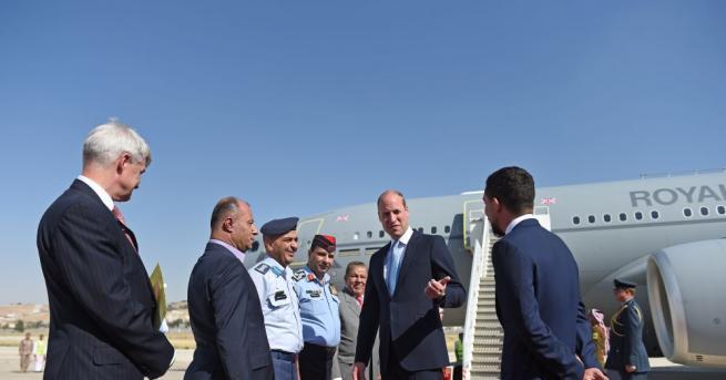 Принц Уилям пристигна днес в Йордания, първи етап от историческа
