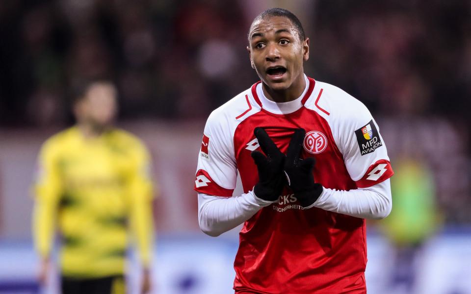 Топ 10 на най-добрите футболисти без международен опит