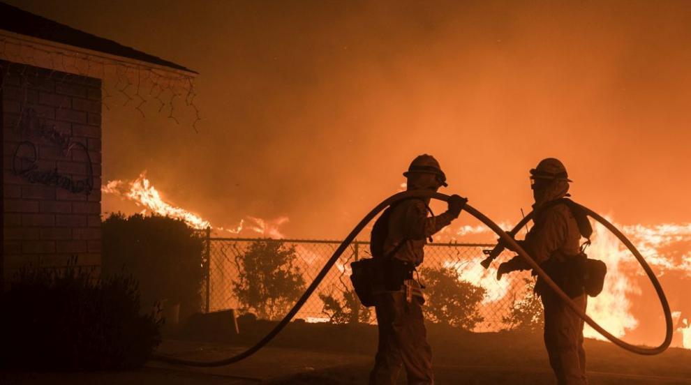 Пожари в Калифорния унищожиха сгради (ВИДЕО)