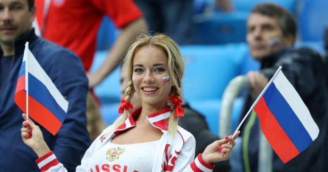 ФИФА планира да забрани на телевизиите да показват красиви фенки