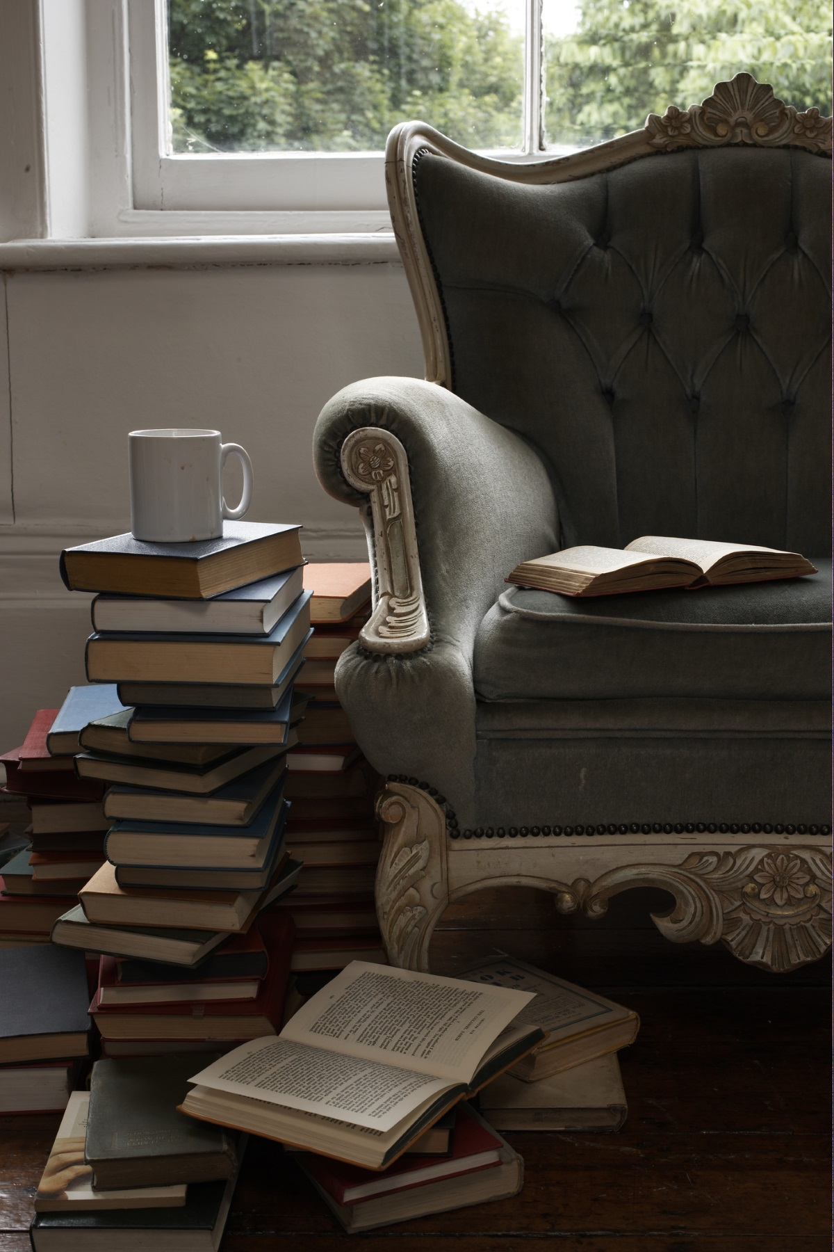 Колекция от книги, филми, плочи, албуми... - разкриват един цял свят от миналото ви, който сега споделяте с половинката и децата си.