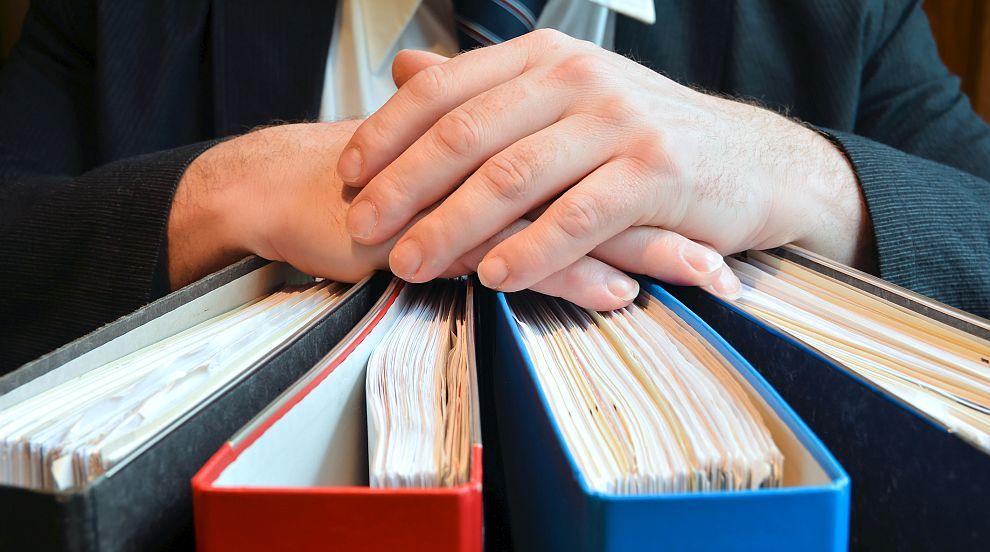 Адвокати: Кога точно ще заработи Търговският регистър? Държавата е в колапс