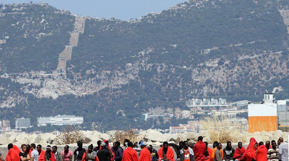Мадрид няма да даде убежище на 31 спасени непълнолетни африкански мигранти