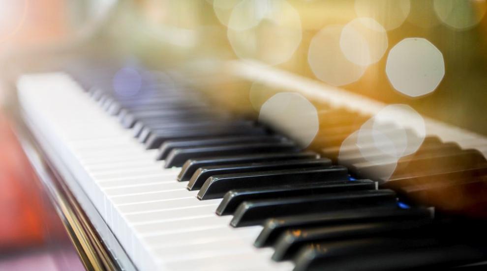 Робот и човек премериха сили по свирене на пиано (ВИДЕО)