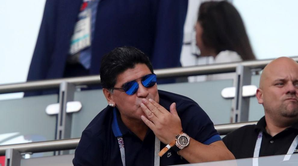 Марадона отново се раздаде на трибуните, но Франция прегази Аржентина...