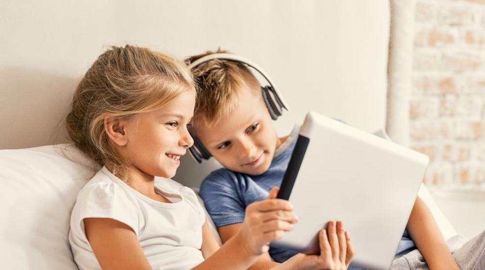 Социалните мрежи не правят децата по-щастливи