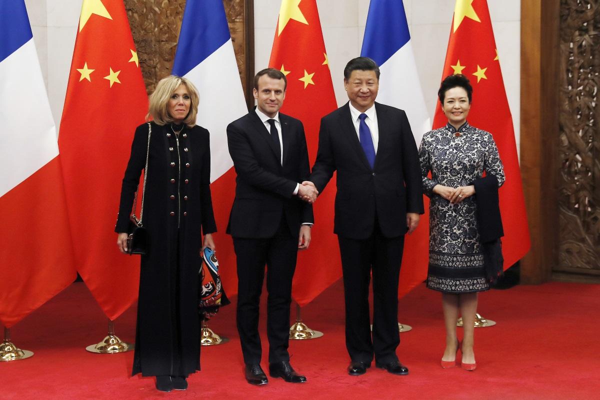 Брижит и Еманюел Макрон на посещение в Пекин през януари