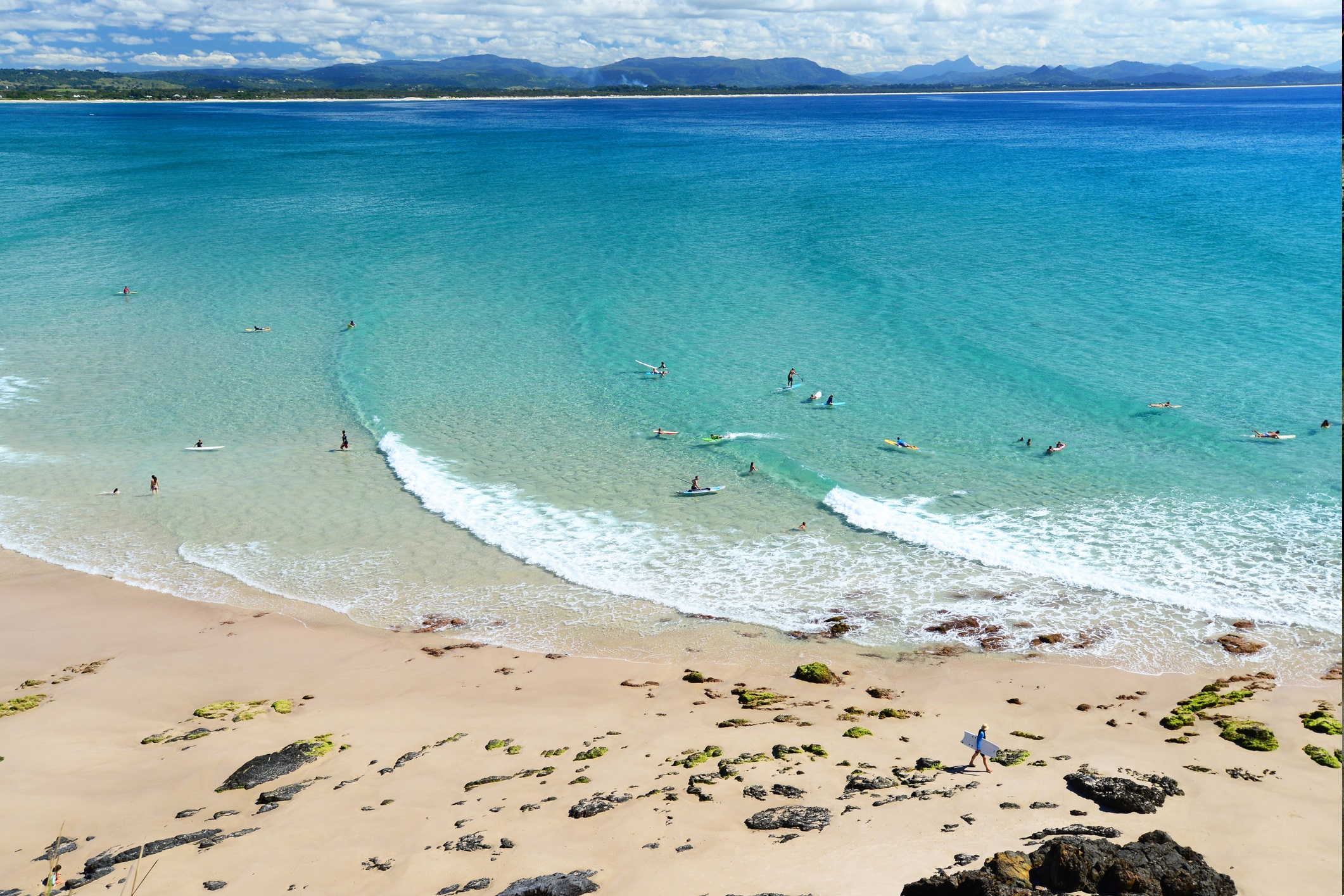 Уатегос, заливът Байрън, Австралия<br /> <br /> Плажовете на заливът Байрън са сред най-обичаните в Австралия. Уатегос и Малкият Уатегос са по-спокойната алтернатива на основния плаж. Уатегос предлага много възможности за плуване и сърф и перфектен бял пясък. Донесете си храна и слънцезащини продукти и прекарайте деня сред истинско спокойствие.