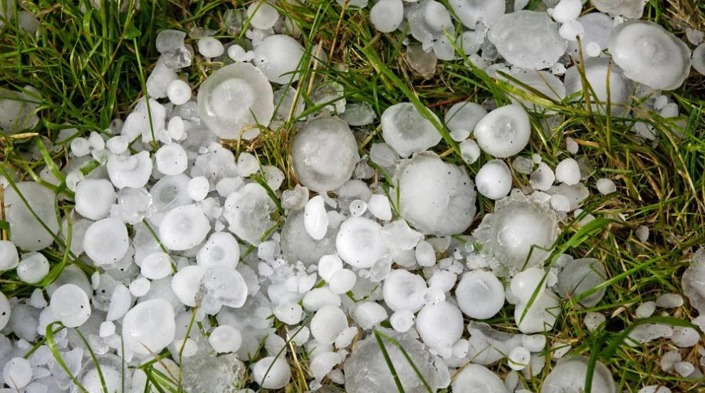 Силна градушка удари Западна и Северна България (СНИМКИ/ВИДЕО)