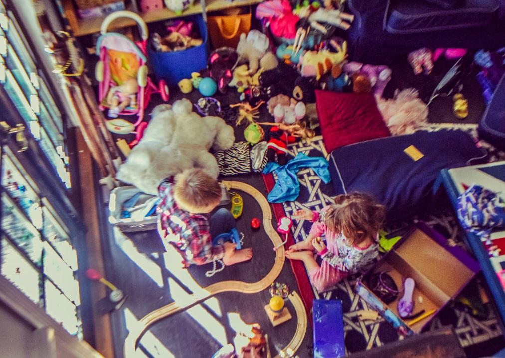 Ако имате малки деца, дали играчките им са подредени или пръснати из цялата стая.