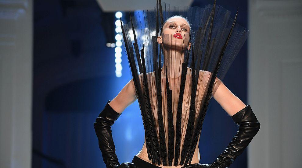 Жан Пол Готие отново нарушава правилата на Седмицата на модата в Париж...