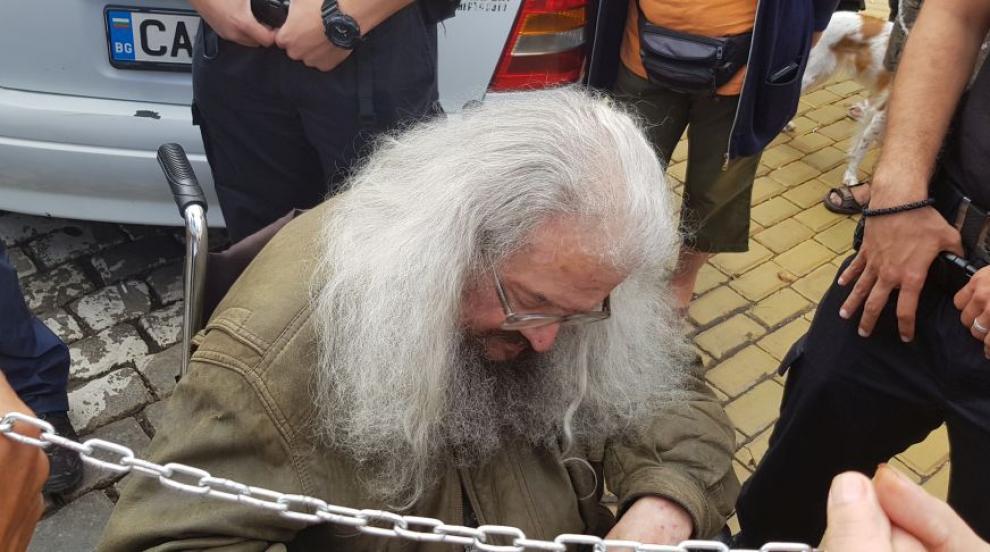 Подкрепящи Николай Колев - Босия сигнализираха за полицейско насилие