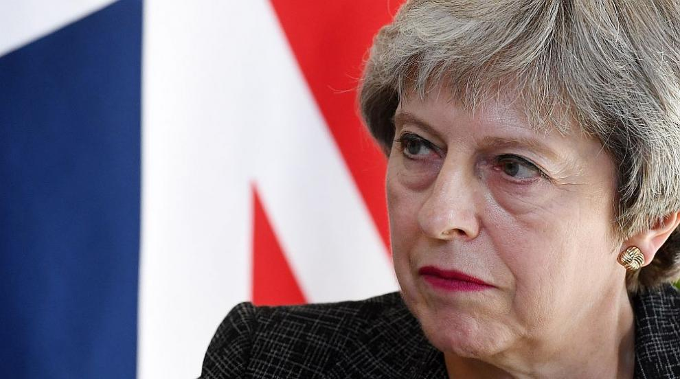 Тръмп съветвал Мей да съди ЕС