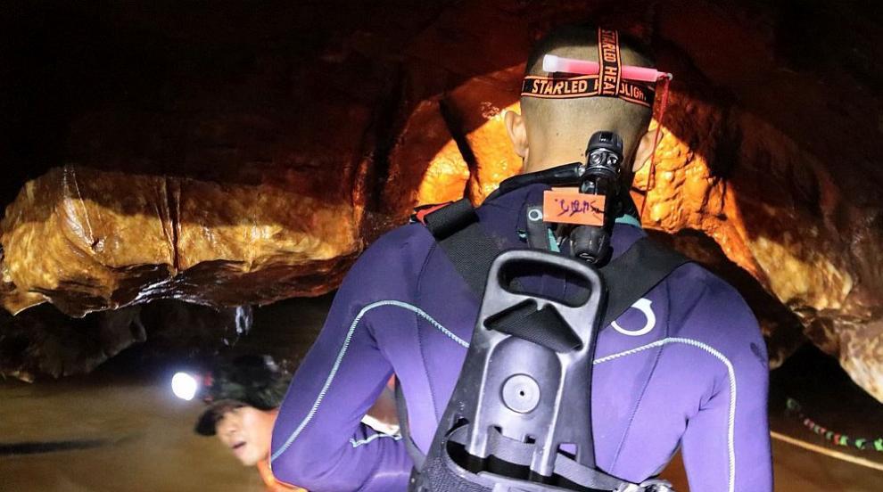 8 момчета са спасени от пещерата в Тайланд (ВИДЕО)