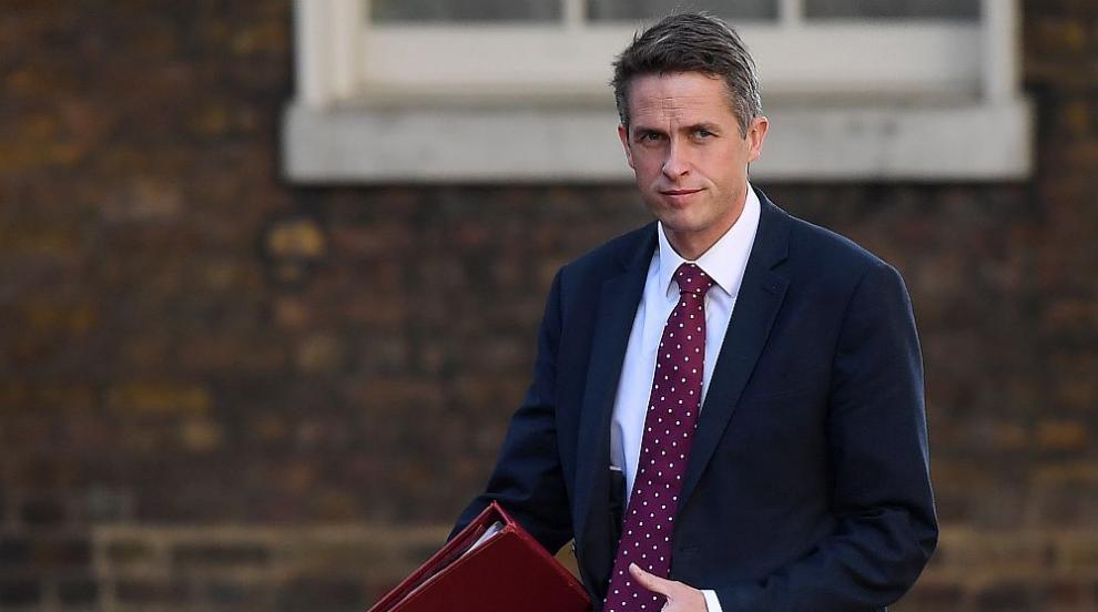 Британският министър на отбраната призова Русия да спре да предизвиква...