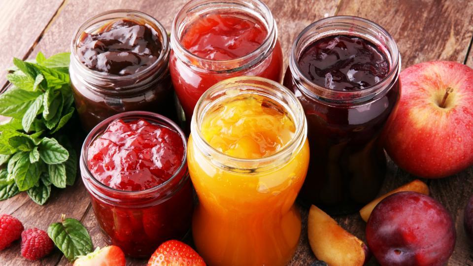 Съвети за откриване на подходящи буркани и капачки при приготвяне на сладка, мармалади и желета