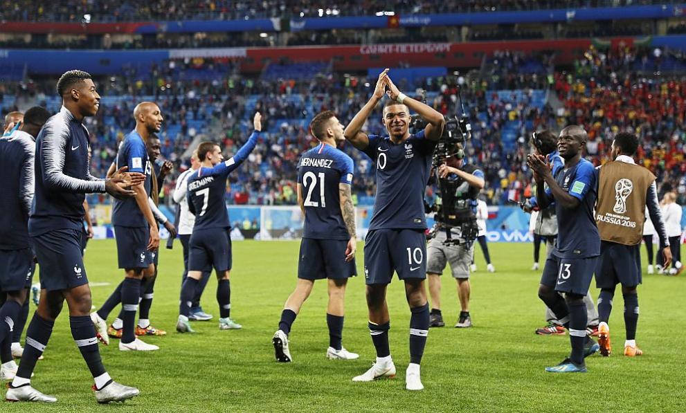 Франция отива на финал