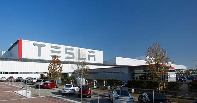 Заводът, наречен официално Gigafactory 3, ще бъде разположен в Линганг,