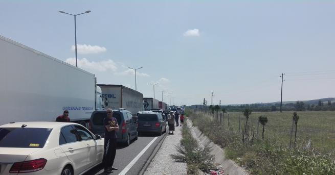 Трафикът е нормален на всички гранични контролно-пропускателни пунктове тази сутрин,
