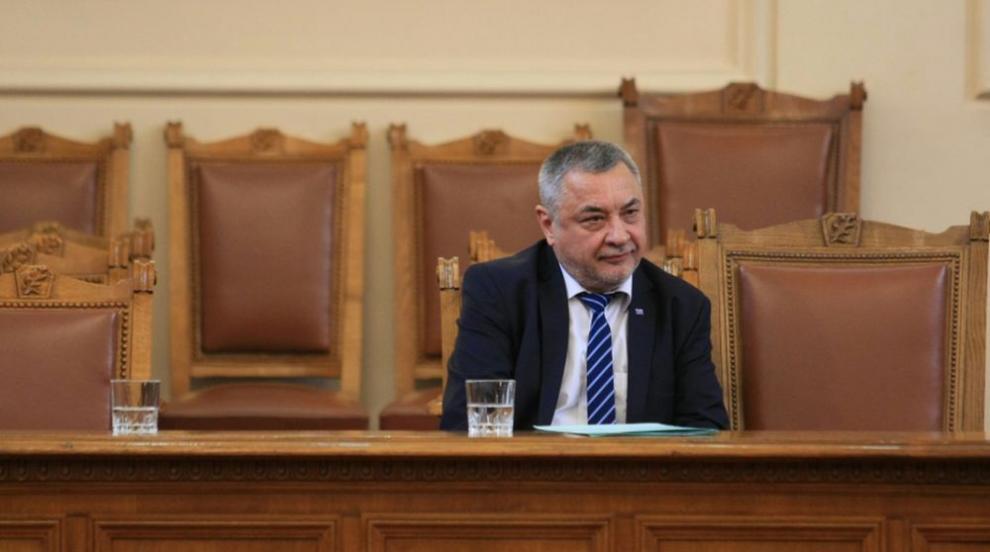 Валери Симеонов с условия, за да подаде оставка