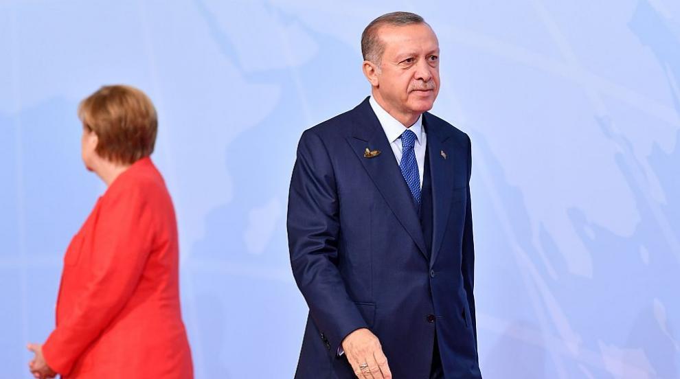 Ердоган поискал от Меркел пълно разследване на неонацистки убийства