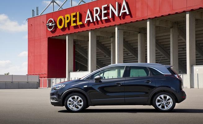 Opel Crossland X се присъедини към Mokka X през 2017 г., като до момента моделът може да се похвали с над 125 000 поръчки.