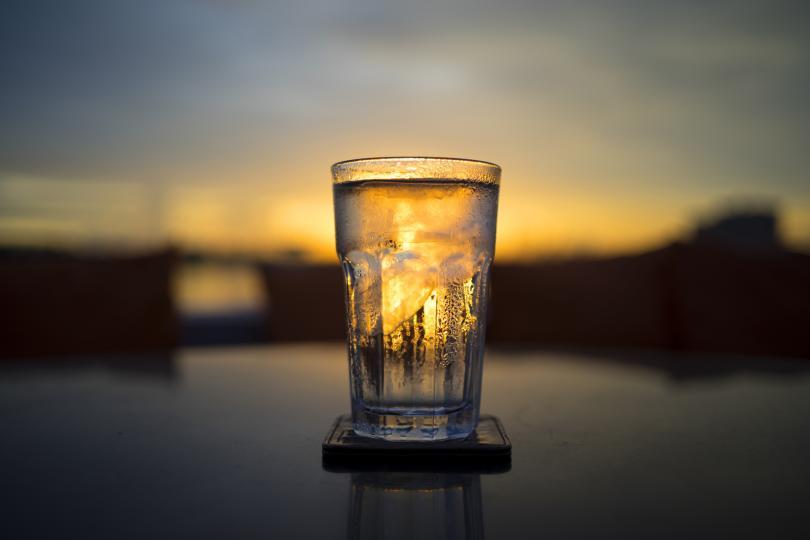 <p>Водата трябва да е чиста, но не преварена. Филтрираната, минерална или изворна вода ще свърши работа.</p>
