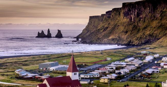 Чуждестранните туристи в Исландия ще избират задължително от 15 юни