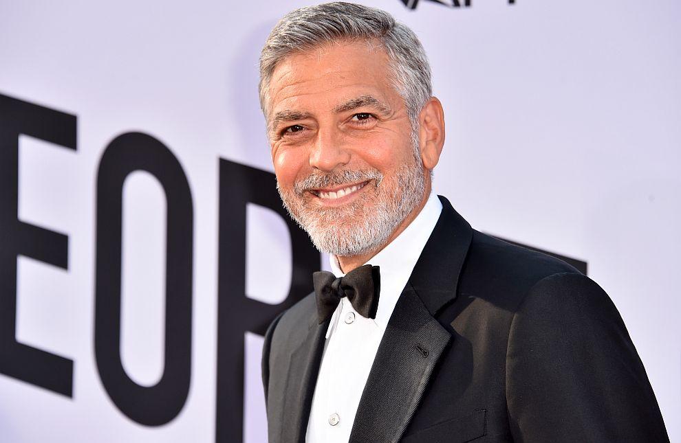 Актьорът Джордж Клуни заема второ място в Топ 100 на най-високоплатените знаменитости на Forbes с 239 милиона долара, но основна част от тях са от продажбата на компанията за производство на текила