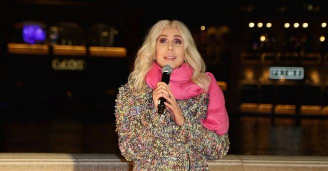 Американската звезда на поп музиката Шер, която участва в продължението