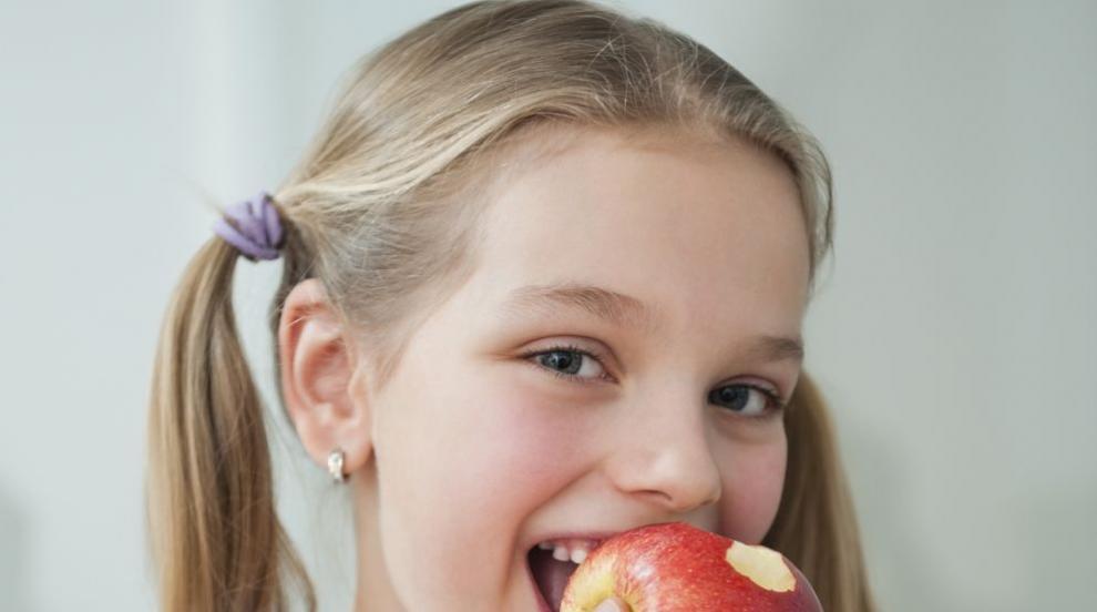 Как да научим детето да обича плодове и зеленчуци? (ВИДЕО)