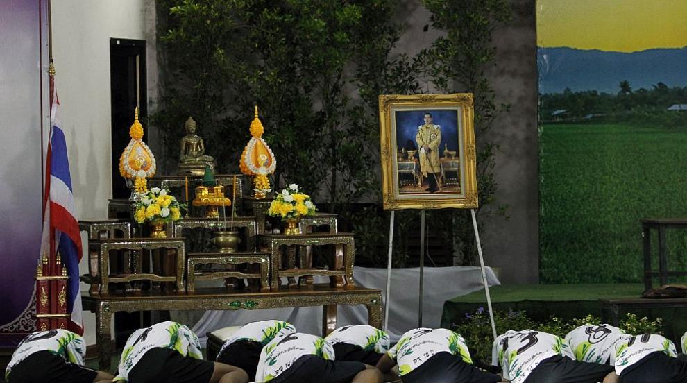 Спасените момчета в Тайланд се помолиха за дълъг живот и защита от...