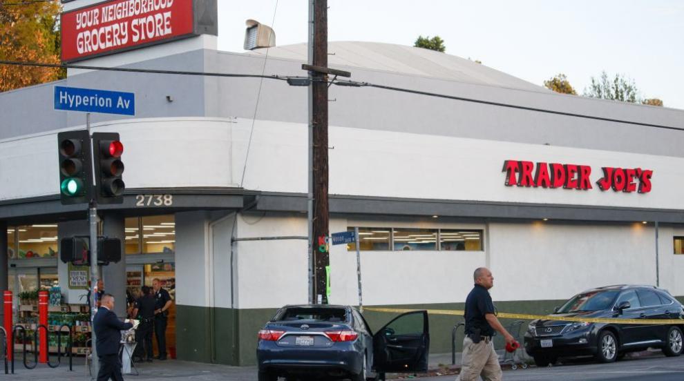 Въоръжен се барикадира в супермаркет в Лос Анджелис след семеен спор и...