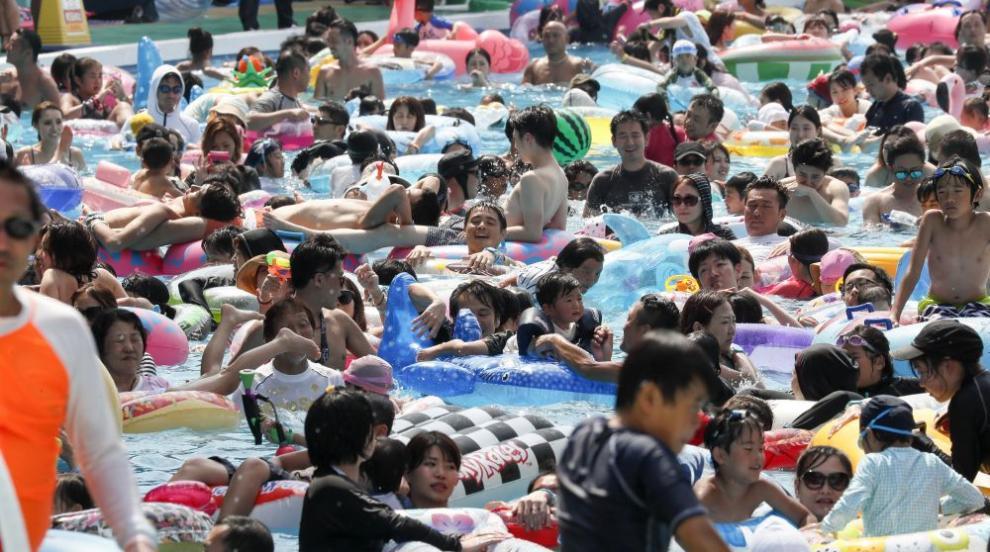 Горещините в Япония са взели най-малко 15 жертви, хиляди души са в болница