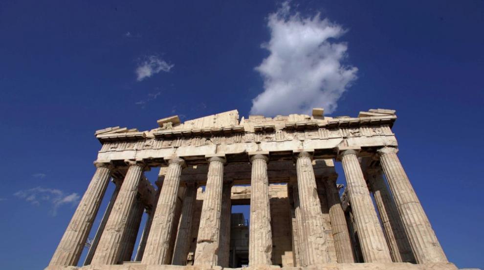 Затвориха Акропола заради жегата