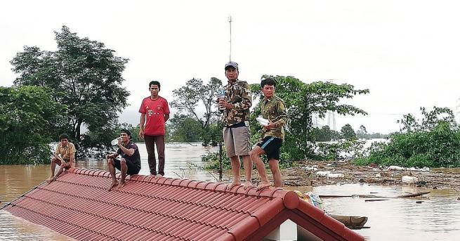 Няколкостотин души се смятат за изчезнали след срутване на изграждаща