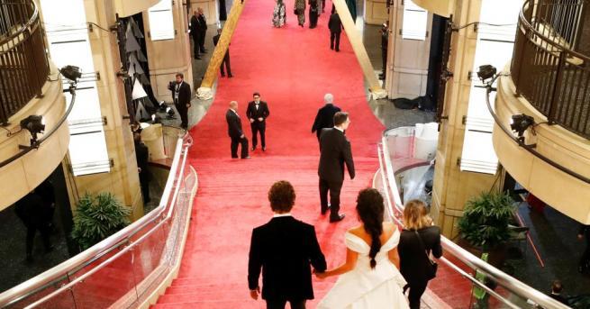 Обикновено популярните лица от киноекрана се женят за други популярни