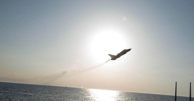 Намиращи се в Румъния самолети Тайфун на британските кралски военновъздушни