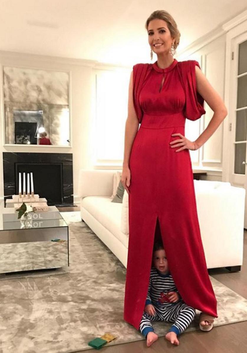 Иванка и едно от децата й.