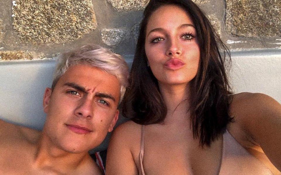Дибала се радва на новата си любов в Миконос