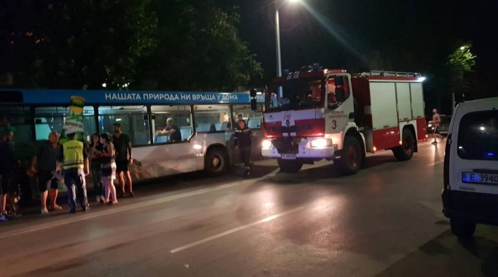 Моторист е в тежко състояние след катастрофа в Благоевград (СНИМКИ)