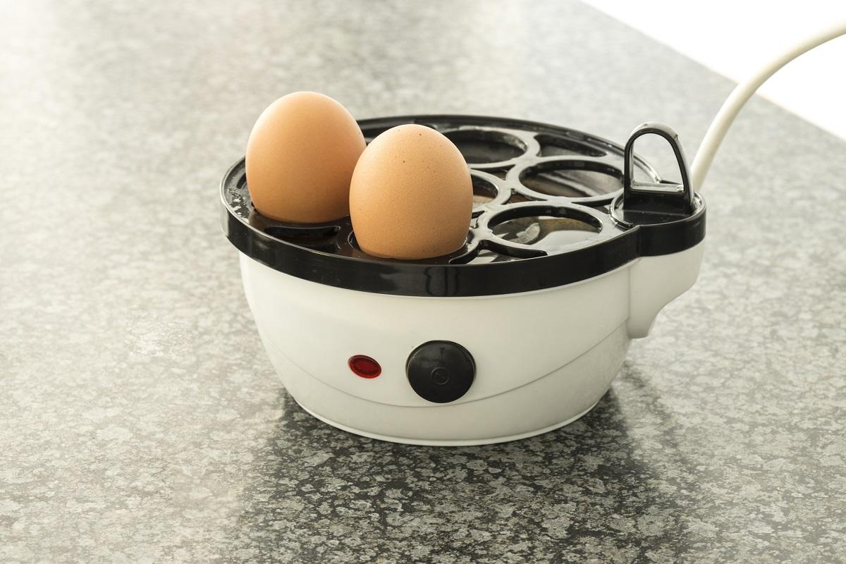 Електрически яйцевар