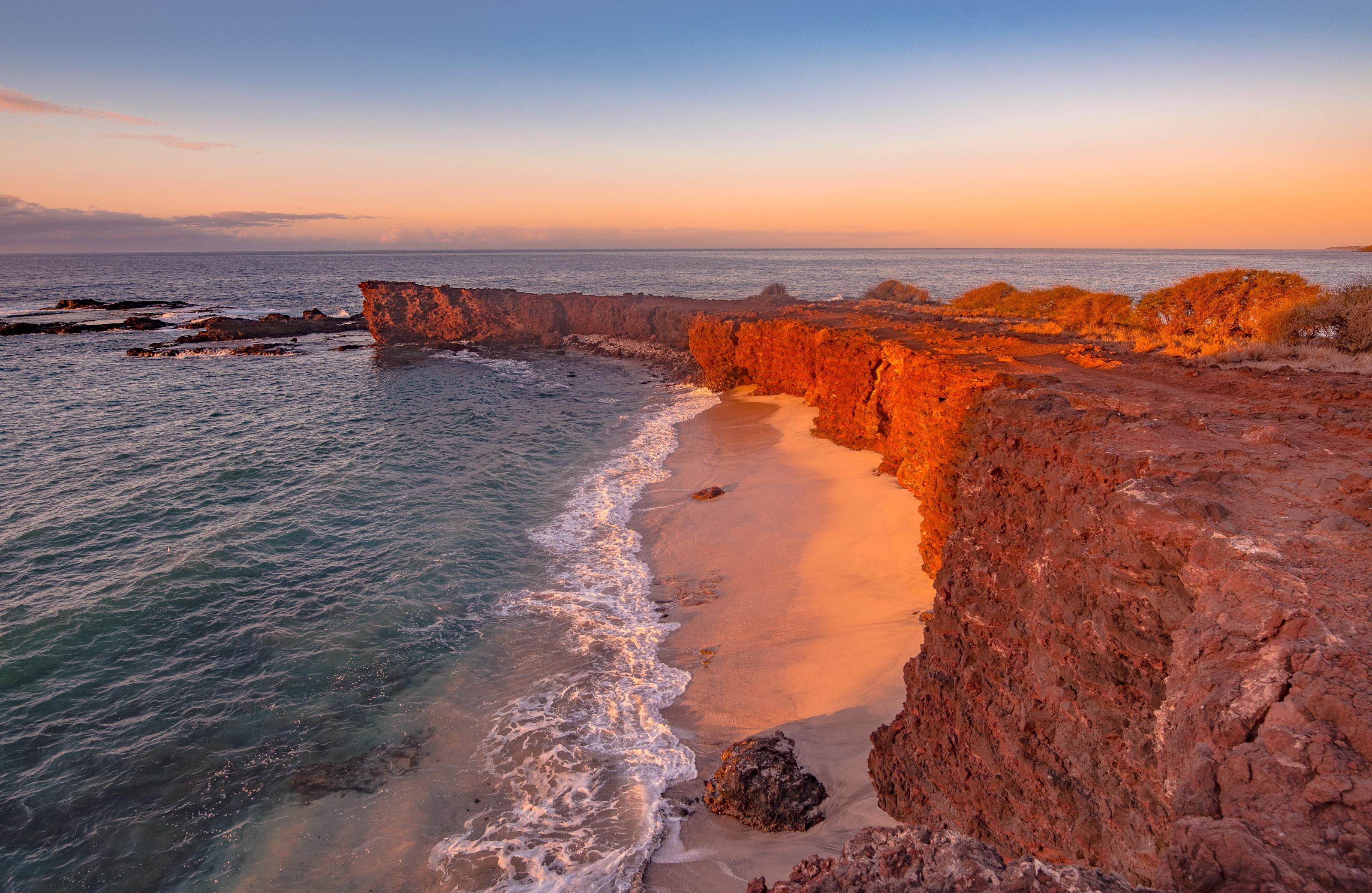 Манеле, Хаваи - население 29 души. Тук се сбъдва мечтата ви за безлюден тропически остро. Той е най-населената дестинация от списъка, но си заслужава, заради спиращата дъха гледка към плажа.