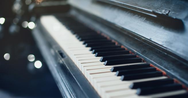 Бах и Моцарт ще звучат на четири рояла в Античния