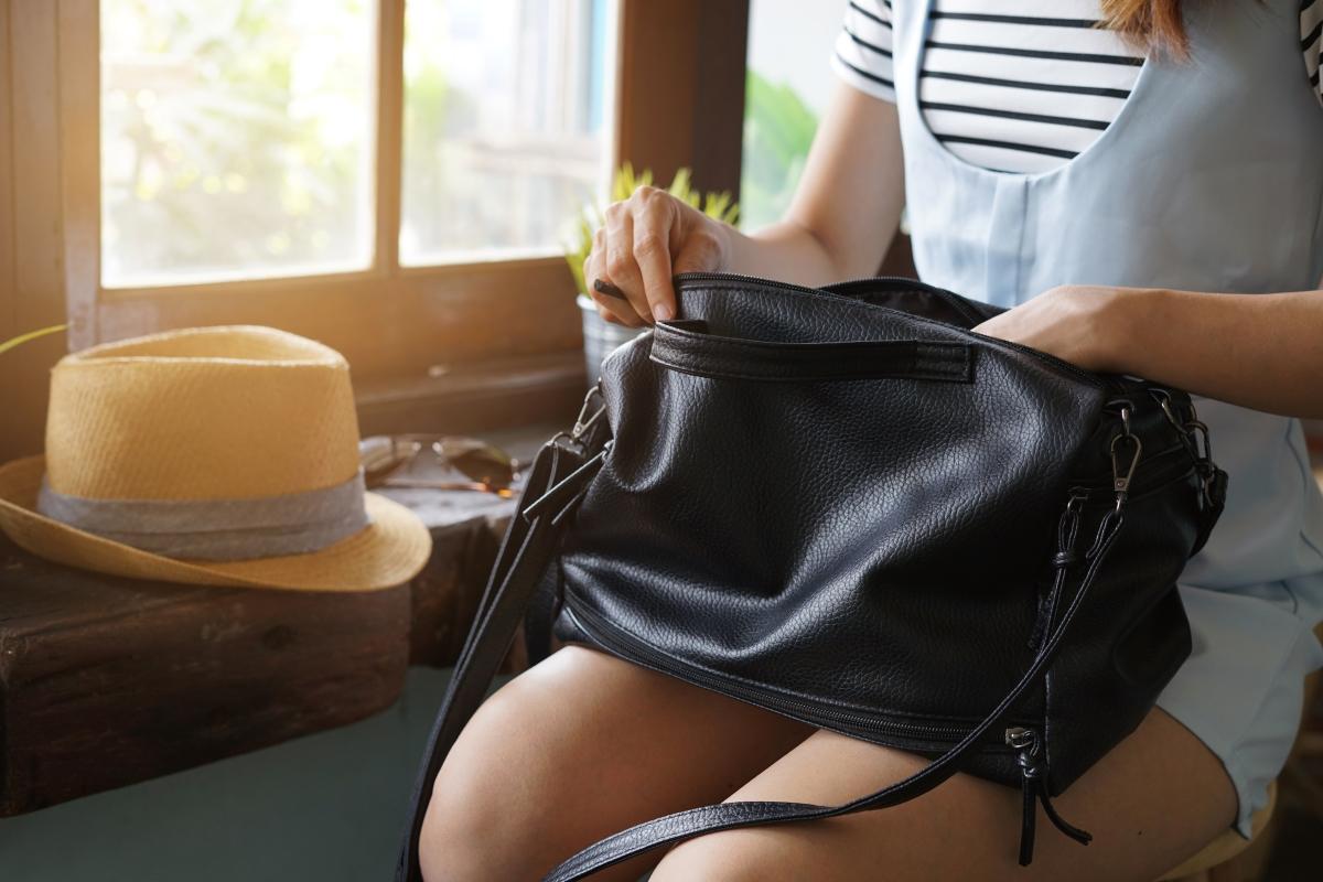 Изпадате в паника, ако не намерите телефина си веднага, когато бдъкнете в чантата.