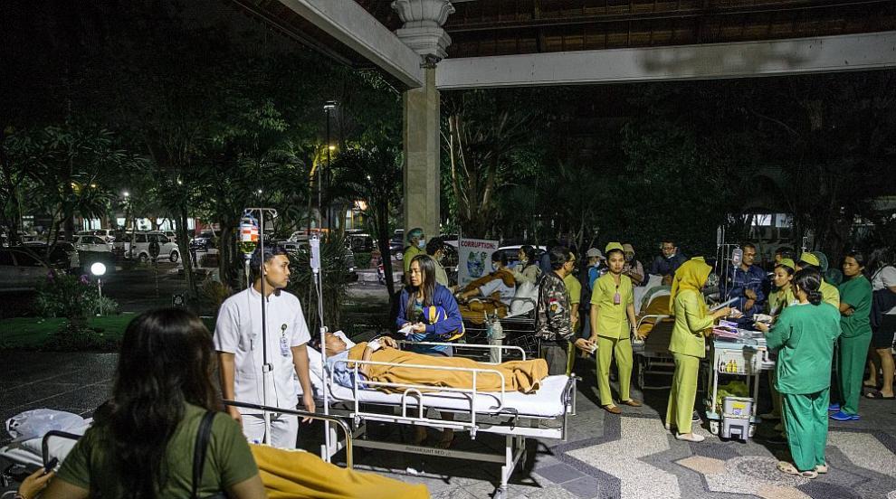 Няма данни за пострадали българи при силното земетресение в Индонезия