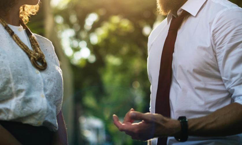 Ето нещо, което може и да ви е малко неприятно, но трябва да го направите. Попитайте партньора кои са нещата, за които му е трудно да говори с вас.