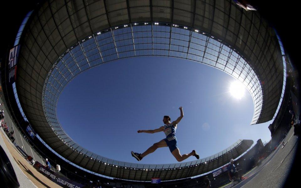 Денис Ерадири отпадна в квалификацията на скок дължина на Европейското